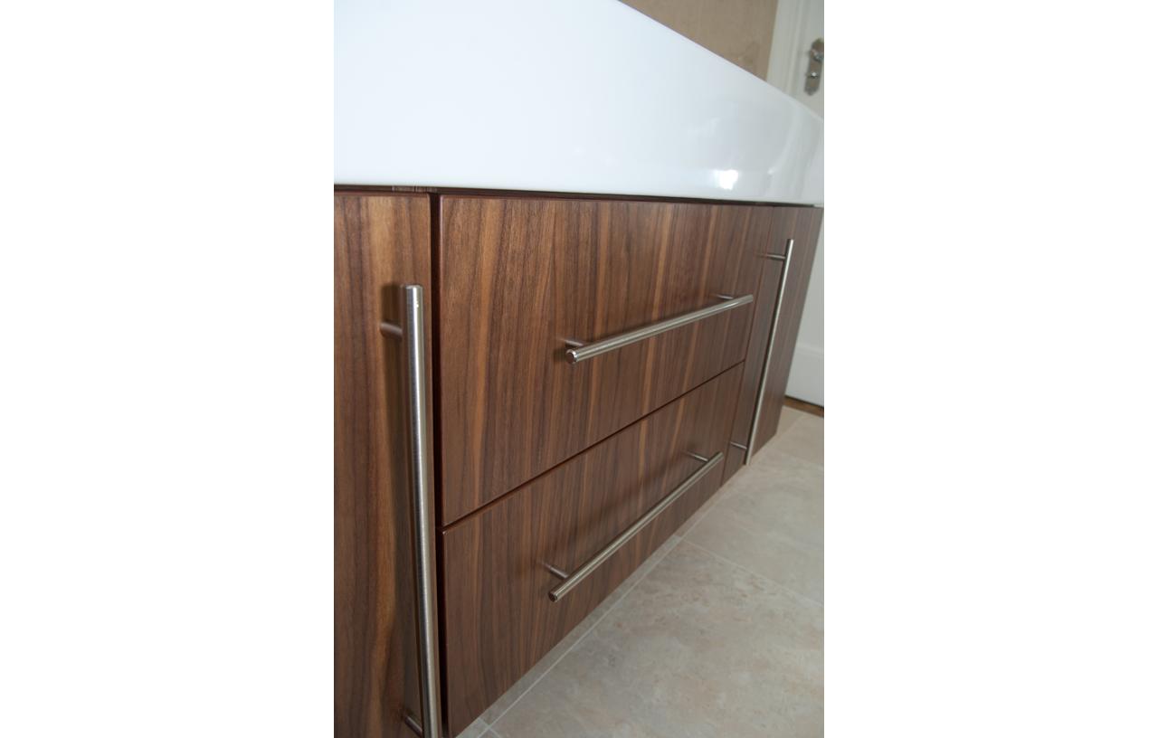 SKB BN CC Contemporary Bathrooms 10-101 816 P