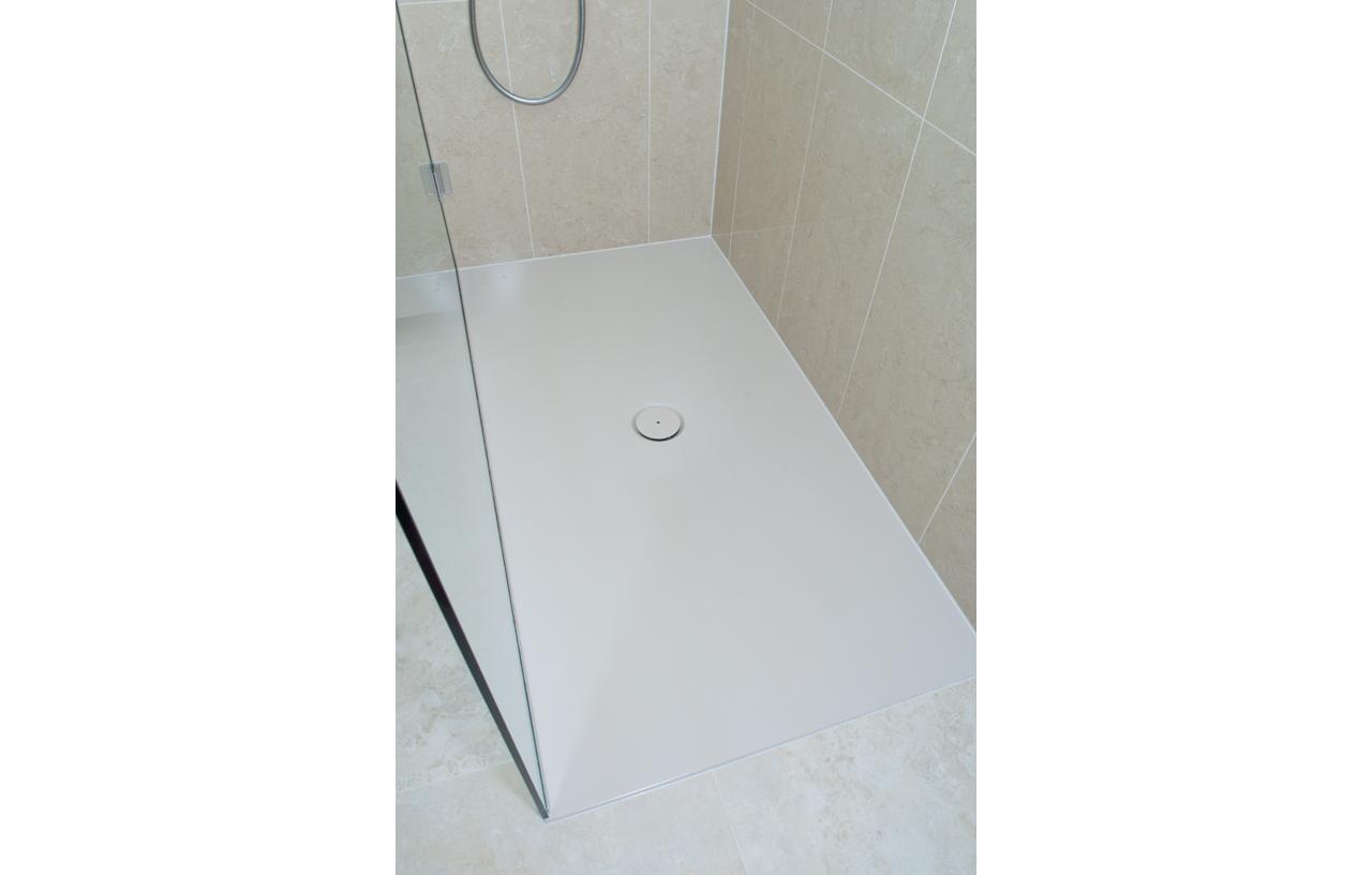SKB BN CC Contemporary Bathrooms 10-112 816 P