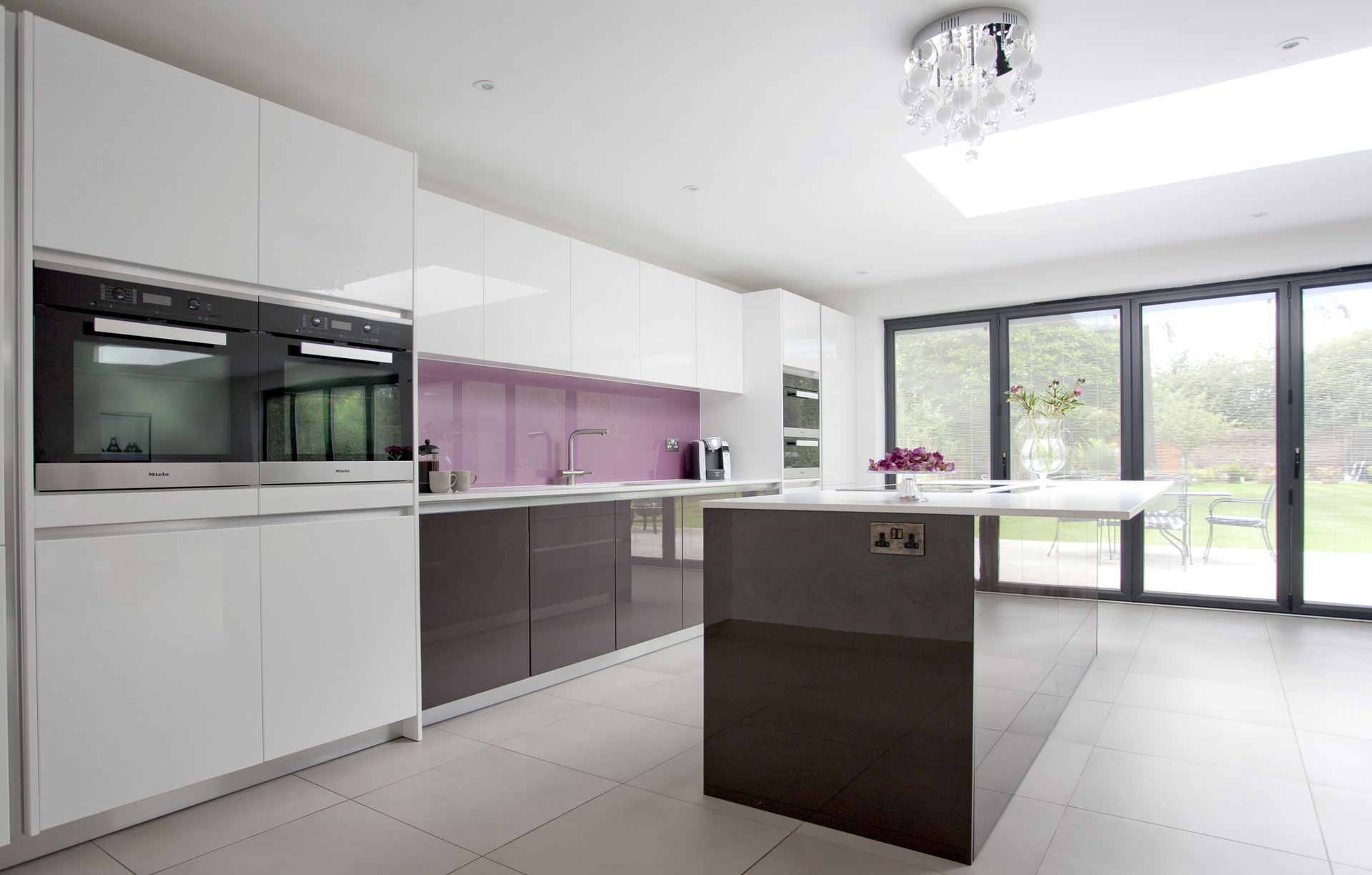 Raspberry Shimmer Modern Kitchens 2433 - Sanctuary Kitchens and ...