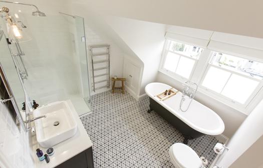SKB GS MC Traditional Bathrooms 195 525