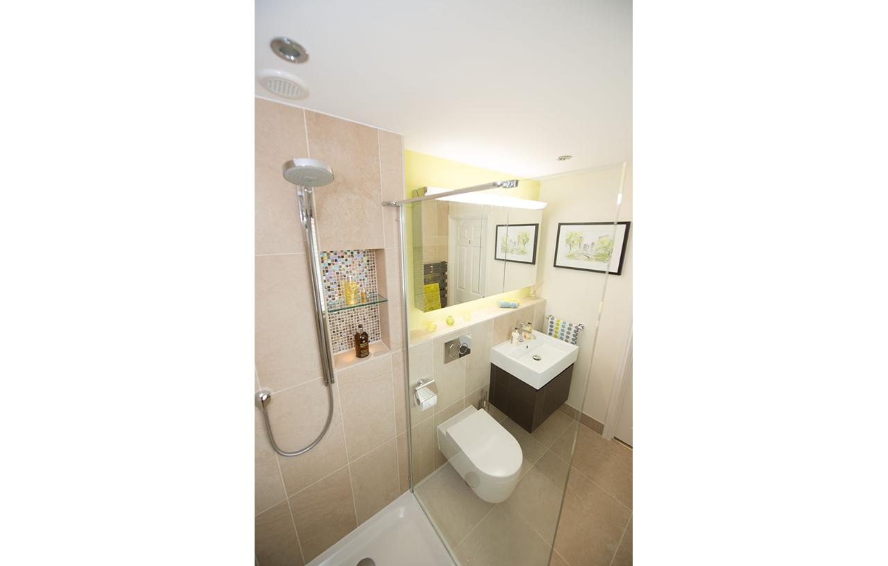 SKB KY CE En-Suite Bathrooms 161 1280 PT