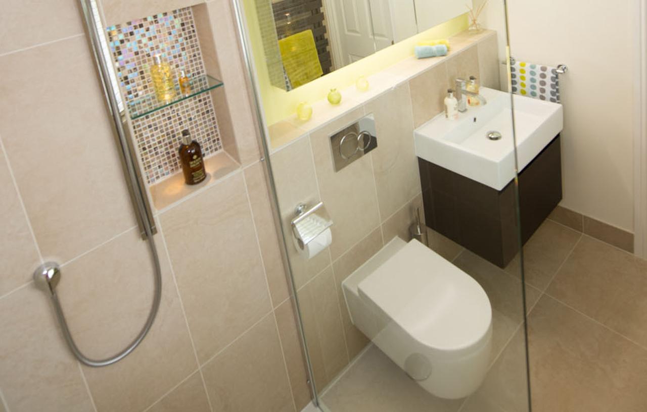 SKB KY CE En-Suite Bathrooms 2-143 1280