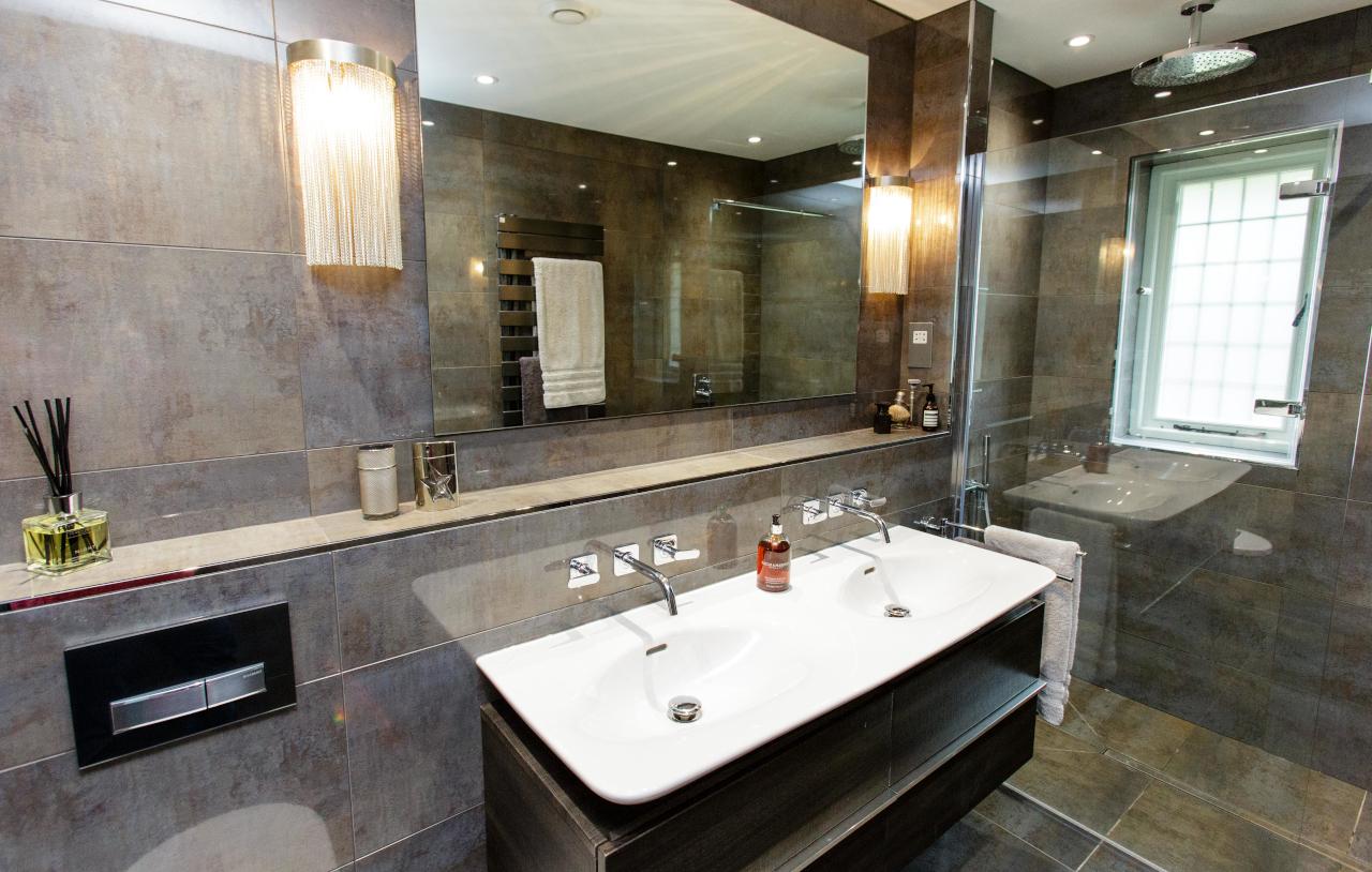 SKB OG HN Ensuite Bathroom 1094 1280