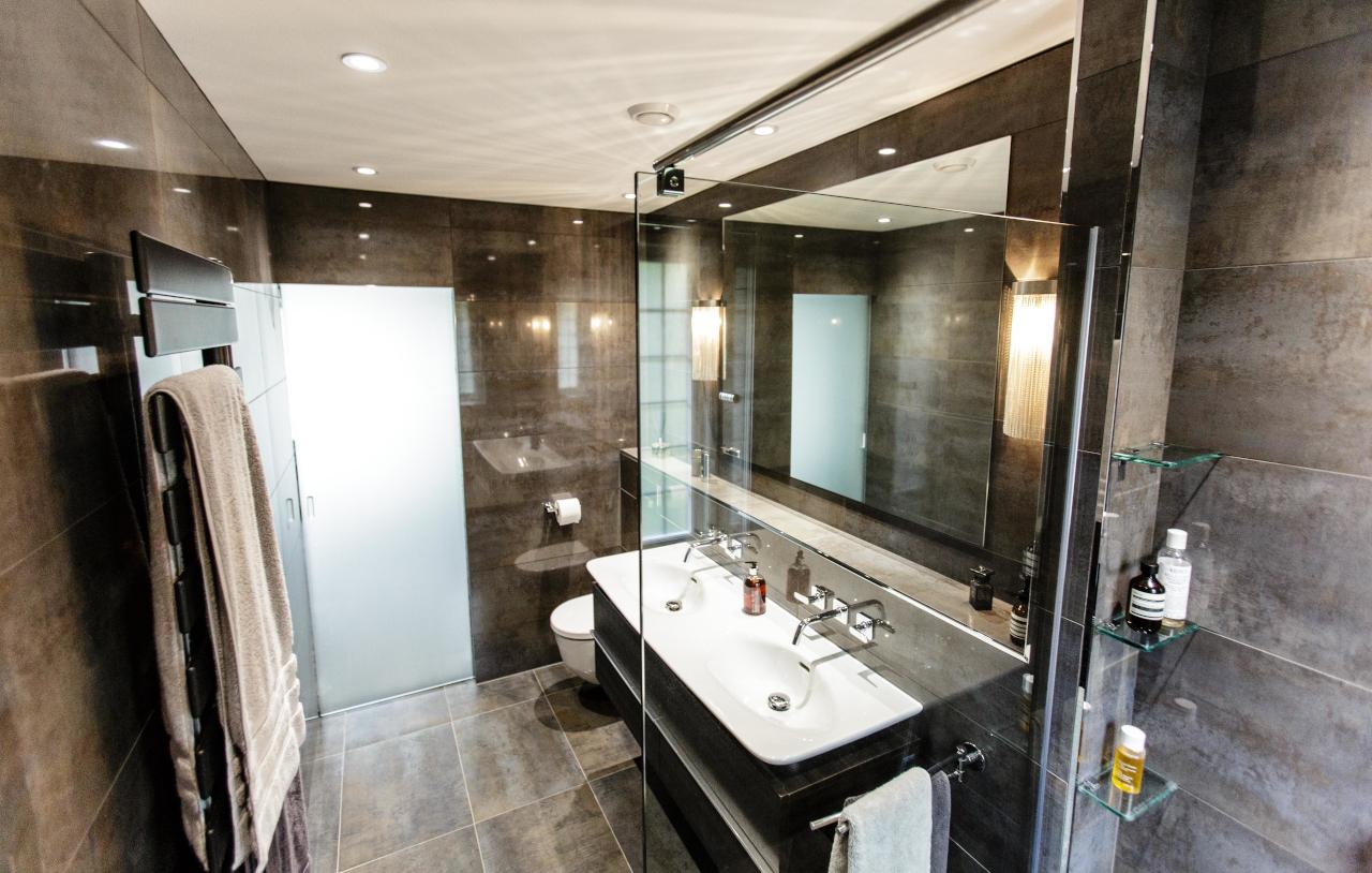 SKB OG HN Ensuite Bathroom 1116 1280